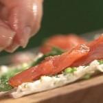 Вкусная и быстрая закуска - рулетики из лаваша с рыбой