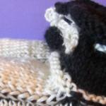 Черно-белые пинетки спицами на лето