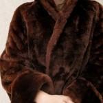 Шубы из мутона, Зима 2014-2015: как выбрать модную мутоновую шубу