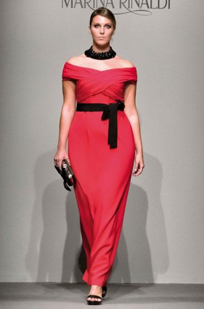 Отличный вариант для полных женщин - длинные платья