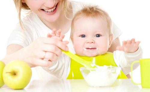 Прикорм ребенка по месяцам